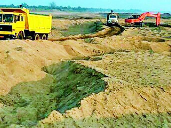 Sand smugglers hit GST | रेती तस्करांचा जीएसटीला ठेंगा