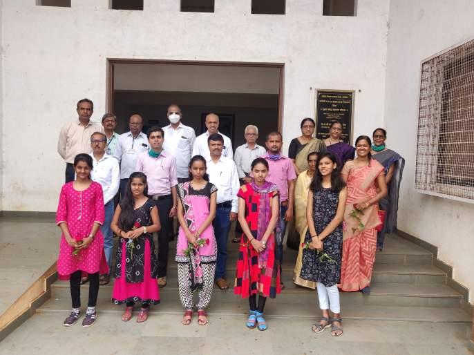 Tribute to Lokmanya Tilak-Sathe at Sinnar Complex | सिन्नर संकुलातलोकमान्य टिळक-साठे यांना आदरांजली