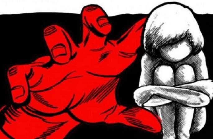 Attempt of molestation of minor girl in Nagpur; citizens Angry | नागपुरात चिमुकलीवर अत्याचाराचा प्रयत्न; नागरिकांनी नराधमाची काढली नग्न धिंड