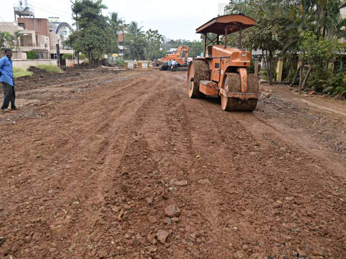 Drainage line at Khanwilkar Pump is finally complete   खानविलकर पंप येथील ड्रेनेजलाईनचे काम अखेर पूर्ण