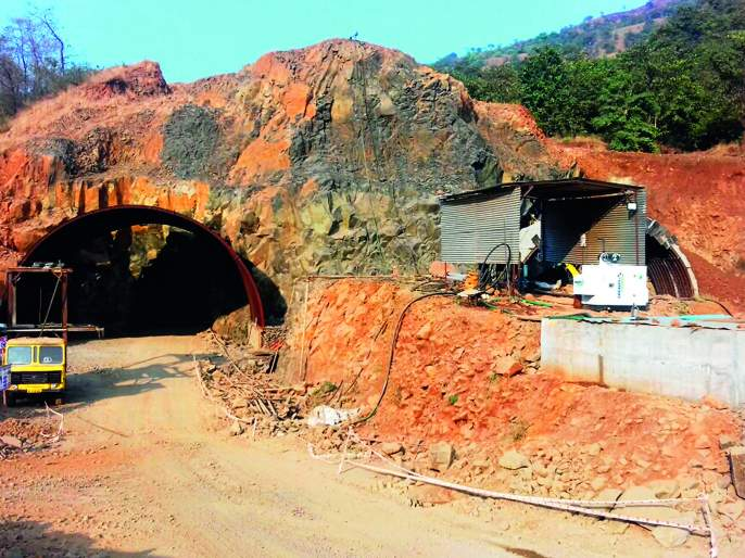 The work of the Kashedi tunnel completed about 5 meters long | कशेडी बोगद्याचे ३०० मीटर लांबीचे काम पूर्ण