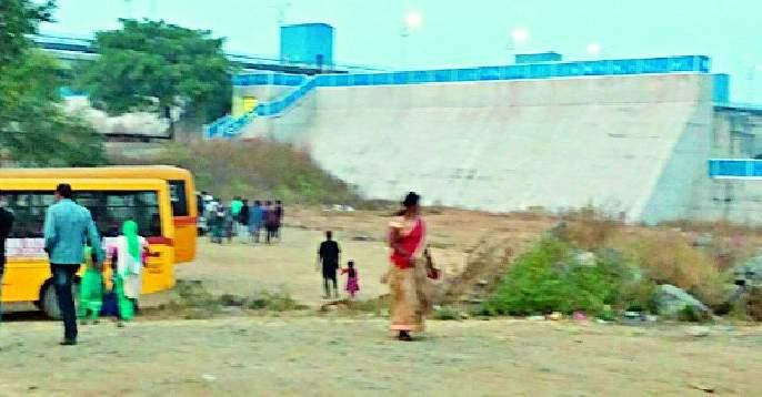 The crowd of tourists in Gosakhurd increased   गोसेखुर्द येथे वाढली पर्यटकांची गर्दी