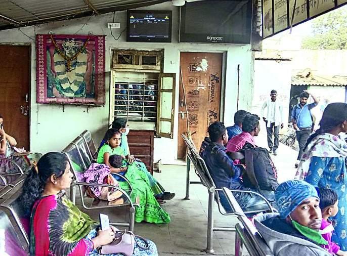Hirkani room at bus stand missing | बसस्थानकावरील हिरकणी कक्ष बेपत्ता