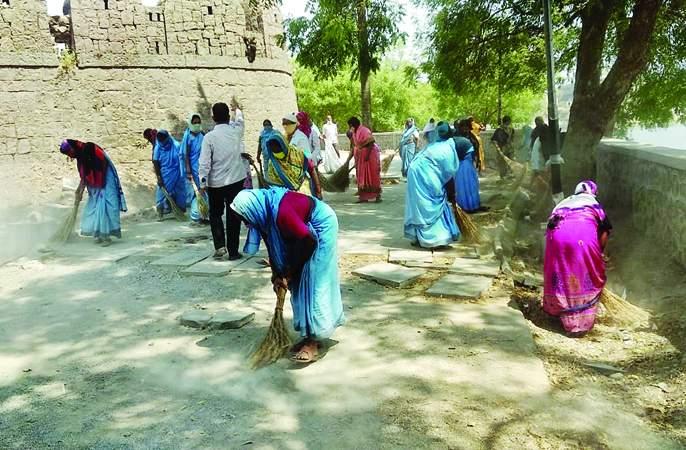 Municipal Corporation now Namami Siddheshwar; Will try to beautify and clean the pond | महापालिकेचे आता नमामि सिद्धेश्वर;तलावाचे सुशाेभीकरण आणि स्वच्छतेचा प्रयत्न करणार