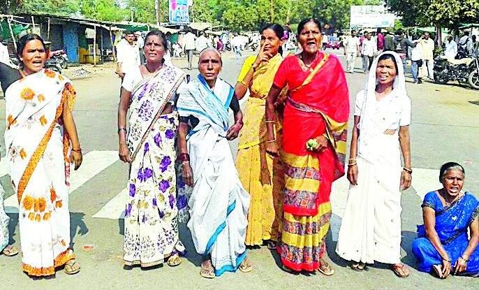 Closing of Kadkadit at Babulgaon, Darwha | बाभूळगाव, दारव्हा येथे कडकडीत बंद