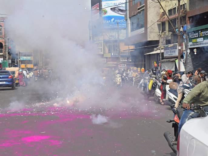 Mahavikas Aghadi celebrates the victory of Lad and Asgaonkar | लाड, आसगावकर यांच्या विजयाचा महाविकास आघाडीकडून जल्लोष