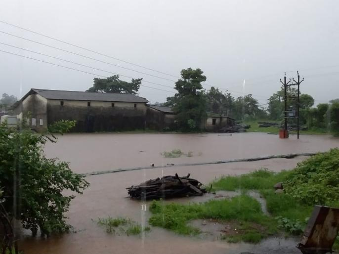 Rainfall also rains in Konkan in October | वादळामुळे कोकणात आॅक्टोबरमध्येही पाऊस