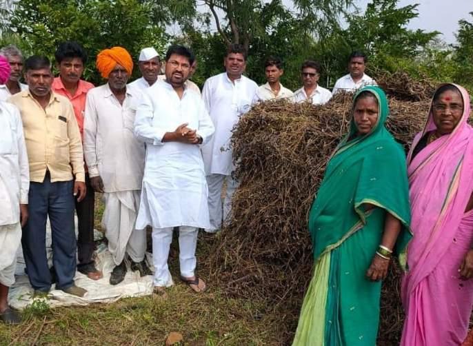 Panchayat will not tolerate crop insurance discrimination - | पंचनामे, पीकविम्यातील भेदभाव खपवून घेणार नाही- खोतकर