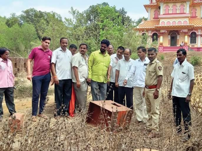 Kalbhairav temple fund box, Fodli, Kharepatan   काळभैरव मंदिराची फंडपेटी फोडली, खारेपाटण येथील घटना