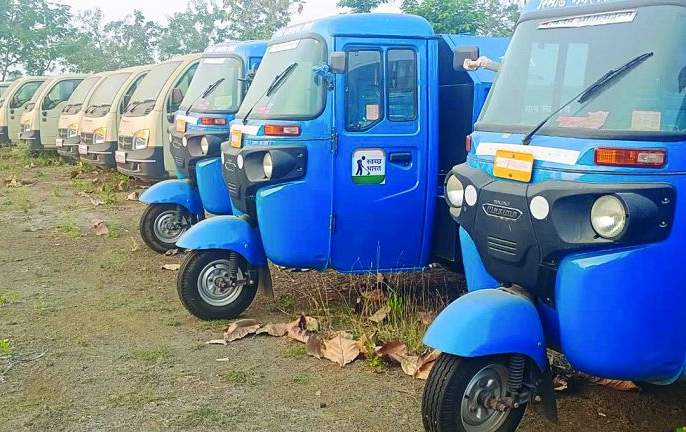 New vehicle have been in place for over a year due to lack of tender! | निविदेअभावी एका वर्षापासून नवीन घंटागाड्या जागेवरच !