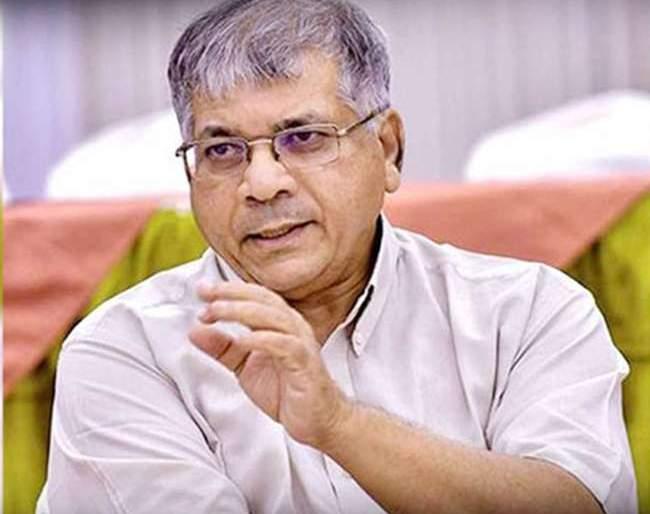 Another Leader of Ambedkar Dissolved! | आंबेडकरांची आणखी एक आघाडी फुटली!;विधानसभा निवडणुकीसाठी नवा सारिपाट मांडणार का?