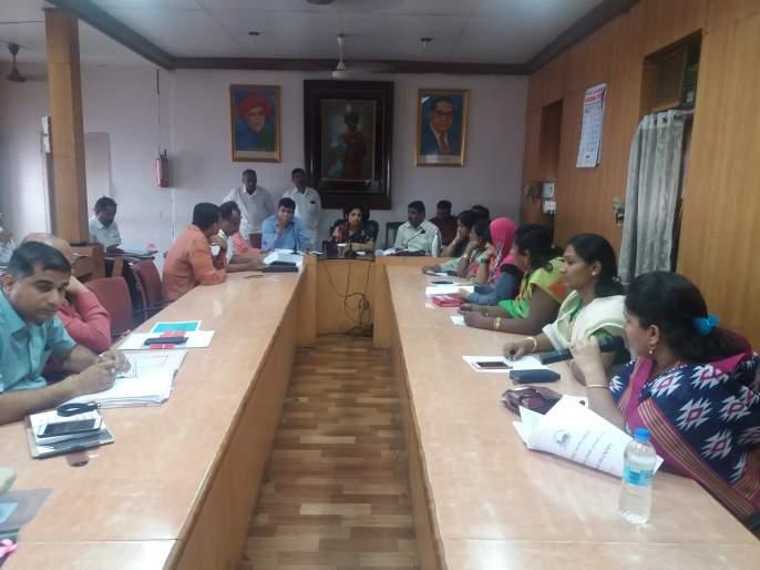 Kolhapur: All 24 hours 'alert' should be kept during rainy season: Mayor's suggestions | कोल्हापूर : पावसाळ्यात सर्व २४ तास 'अलर्ट' राहावे : महापौरांच्या सूचना
