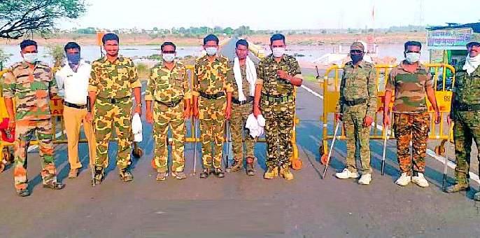 Ashti police patrol day and night | आष्टी पोलिसांची दिवसरात्र गस्त