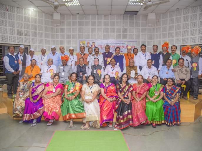 Existing students gathered for 43 years | तब्बल ४३ वर्षांनी जमले माजी विद्यार्थ्यी