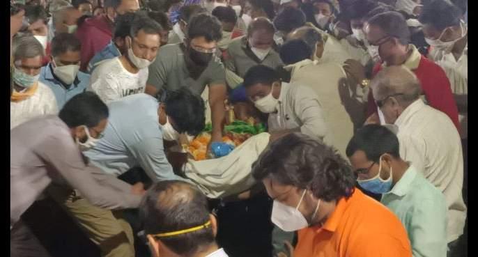 In Anandvan, Burial of Sheetal Amte | Dr. Sheetal Amte Suicide; आनंदवनात डॉ. शीतल आमटे यांच्या पार्थिवावर दफनविधी