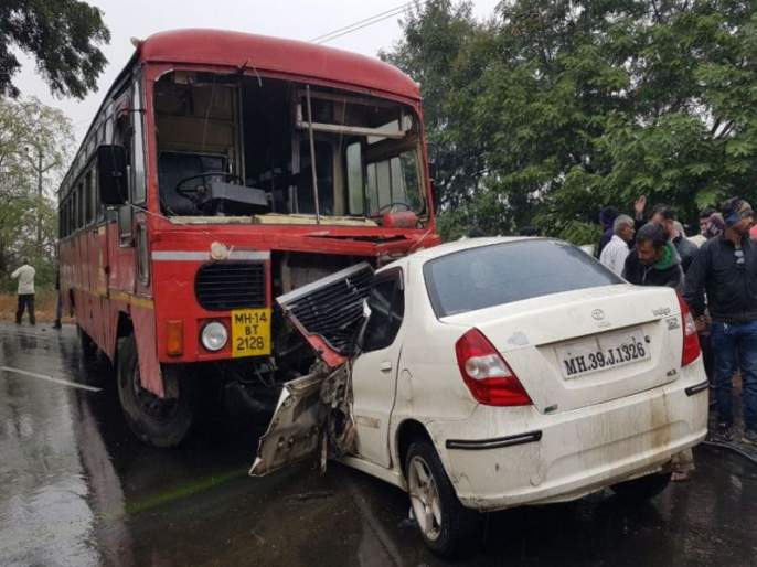 A car driver was killed in the accident | आष्टेजवळ बस-कारच्या धडकेत चालक ठार