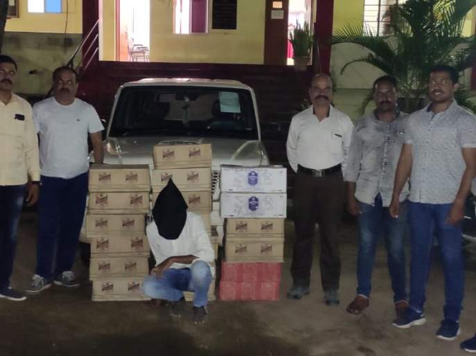 Alcohol seized from Goa seized, youth arrested: Local crime branch action | गोव्याहून आणलेला दारूसाठा जप्त, युवकाला अटक