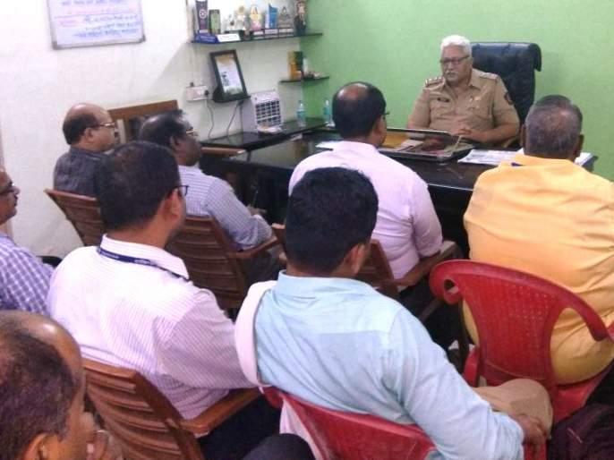 Banks in Dombivli should take responsibility for the security of customers including ATMs - Vijay Singh Pawa   डोंबिवलीतील बँकांनी एटीएमसह ग्राहकांच्या सुरक्षिततेची जबाबदारी चोख सांभाळावी - विजयसिंग पवार