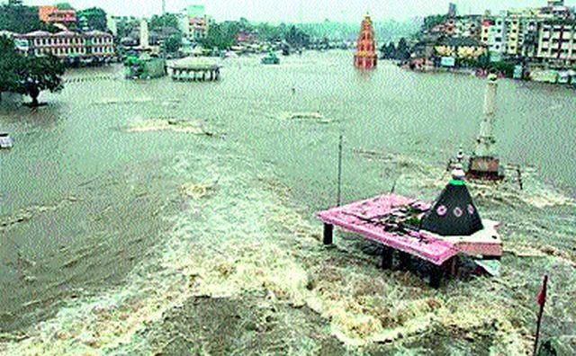 Water supply schemes also hit | पाणीपुरवठा योजनांनाही फटका