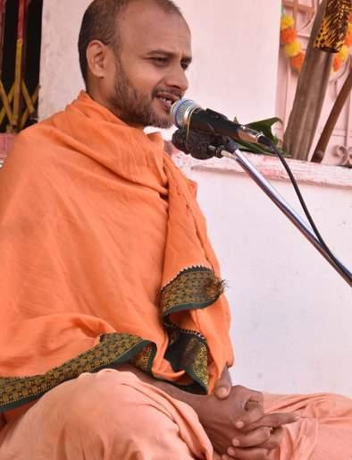 Namaskarana saves human life - Swami Satyarthiartha Swami | नामस्मरणाने मानवी जीवनाचा उद्धार होतो- सत्यात्मतीर्थ स्वामी