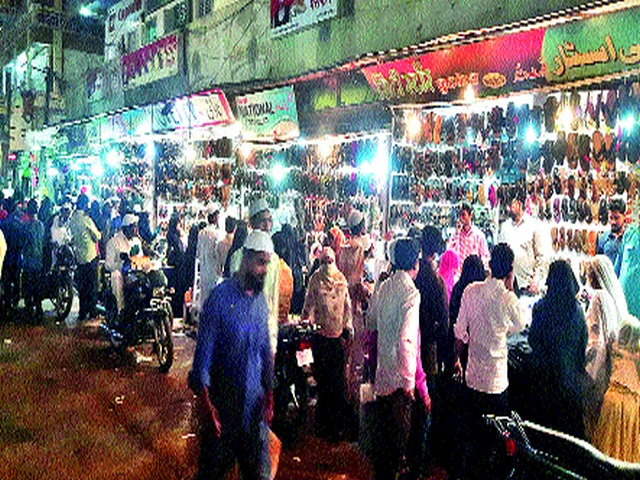 'Night Life' at Malegaon before Mumbai-Nagpur | मुंबई-नागपूरच्या आधी मालेगाव येथे 'नाइट लाइफ'