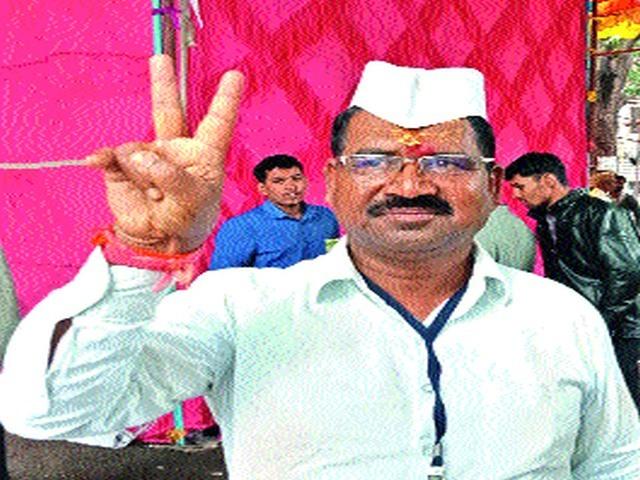 Finally Congress MLA Khoskar 'not rechable' | अखेर काँग्रेस आमदार खोसकर 'नॉट रिचेबल'