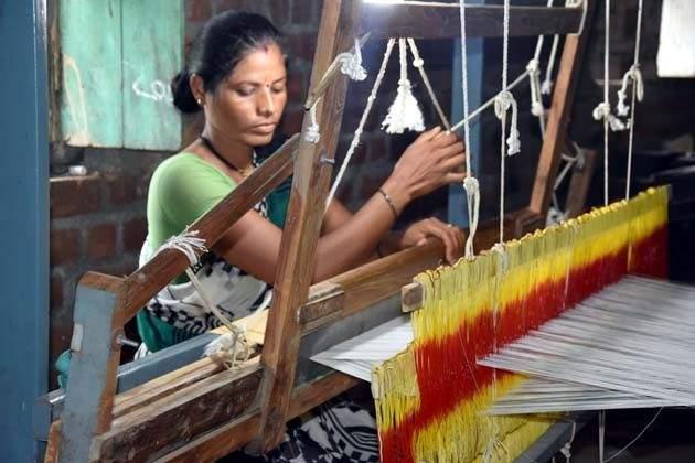 Farmer Women Entrepreneurs in the Cotton through Cloth in Wardha | 'कॉटन टू क्लॉथ'द्वारे वर्ध्यात शेतकरी महिला उद्योजक