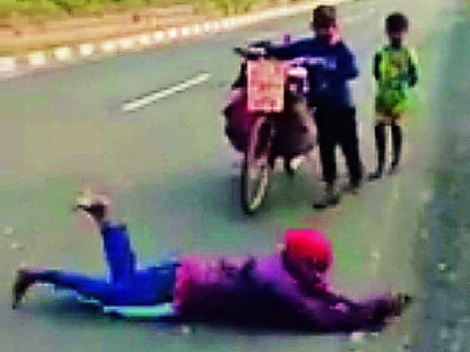 While Lottangan will visit Vaishnodevi, march to Gujarat | लोटांगण घालत घेणार वैष्णोदेवीचे दर्शन, गुजरातपर्यंत कूच