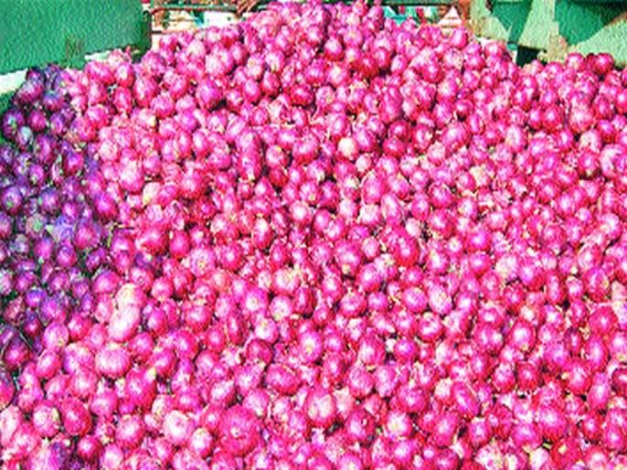 Commercial problems with onion theft | कांद्याच्या चोरीने व्यावसायिक अडचणीत