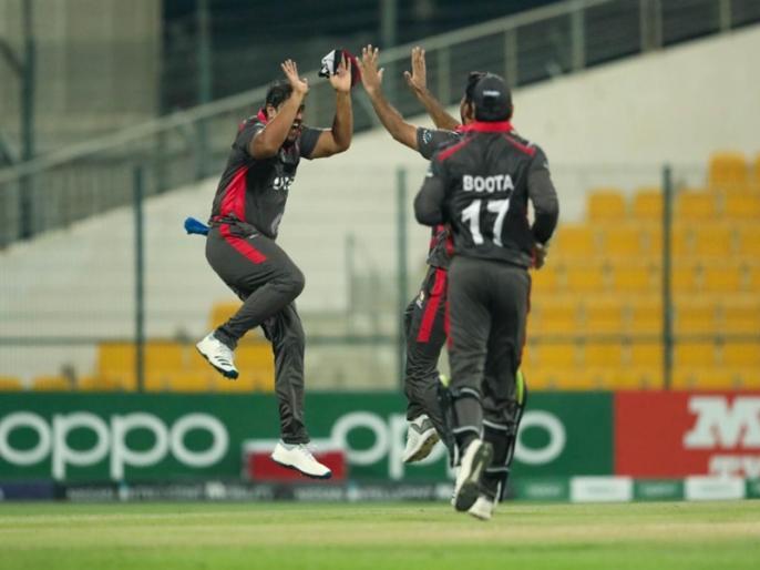 nine balls, five runs and six wickets happens in Ireland vs Uae match | बाप रे बाप... नऊ चेंडूं, पाच धावा आणि सहा विकेट्स