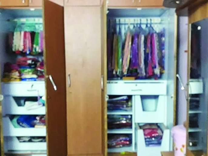 Burglary at chikhali; ornaments worth of 2 lakh stolen | चिखलीत घरफोडी; २ लाख ६९ हजार रूपयांचा ऐवज लंपास