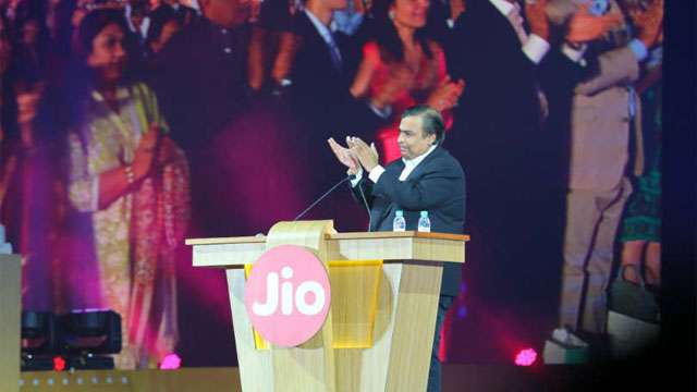 Reliance Jio's Bumper Lottery; jio Fiber to offer free HD/4K TV with 100 Mbps speed and more   Reliance AGM 2019: रिलायन्स जिओची बंपर लॉटरी; 100 एमबीपीएस स्पीडसोबत मिऴणार मोफत 4K टीव्ही आणि बरेच काही