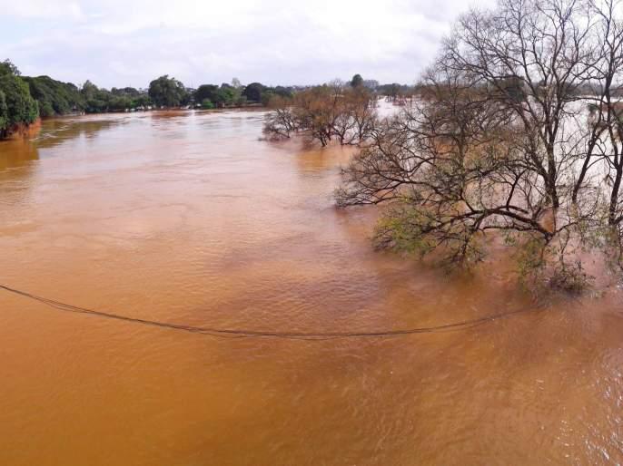 The rain stopped, the dam was also reduced, two doors of Radhanagari closed | पाऊस थांबला, धरणातील विसर्गही घटला, राधानगरीचे दोन दरवाजे बंद