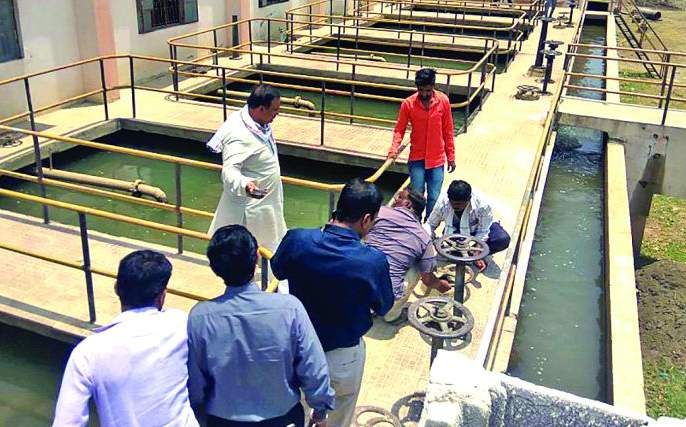 Caos over contaminated water supply | दूषित पाणीपुरवठ्यावरून रणकंदन