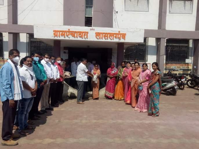 Respect to Lasalgaon health workers   लासलगावी आरोग्य कर्मचाऱ्यांचा सत्कार