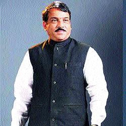 Abuse by Congress: Anandrao Patil | कार्यकर्त्यांच्या मेळाव्यात चर्चा करून पुढील राजकीय दिशा ठरविणार : आनंदराव पाटील