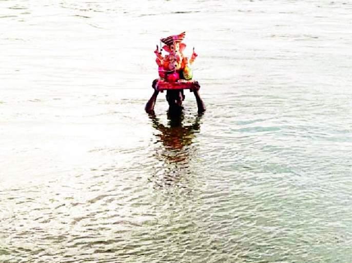 There is no immersion of Ganesh idol in the 'Dham' river this year   यंदा पवनारच्या 'धाम' नदीत गणेशमूर्तीचे विसर्जन नाहीच