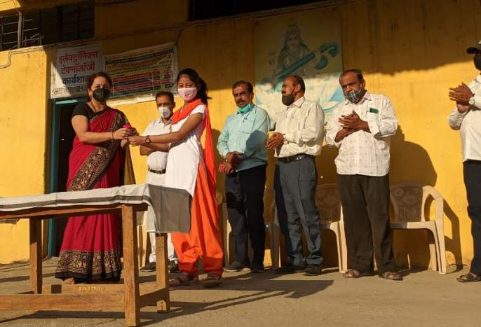 Women's Day at Swami Muktanand Vidyalaya | स्वामी मुक्तानंद विद्यालयामध्ये महिला दिन