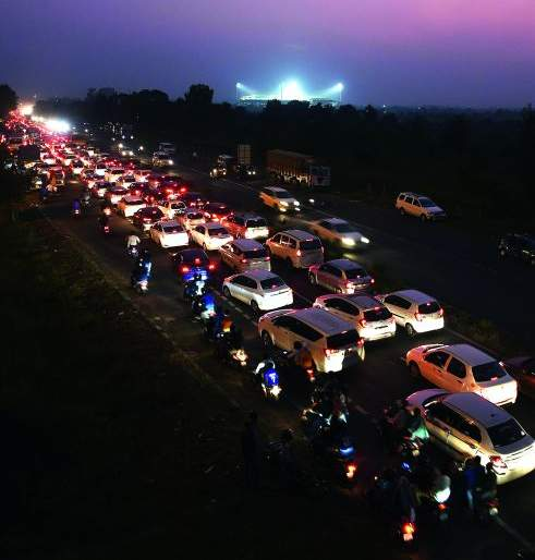 Jamtha Stadium premises full in Indo-Bangladesh match | भारत-बांगलादेश सामन्यात जामठा स्टेडियम परिसर झाला 'जाम'