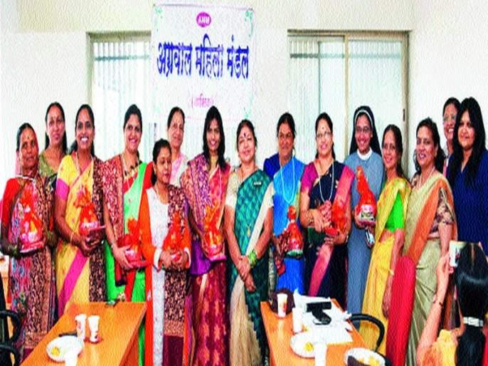 Women's Welfare Association in various fields on behalf of Vision Academy | व्हिजन अकॅडमी संस्थेच्या वतीने विविध क्षेत्रांतील महिलांचा गौरव