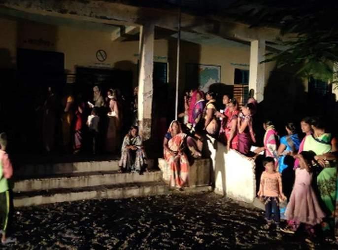 Voting in Sakri and Dhule Rural till 5 pm | साक्री व धुळे ग्रामीणमध्ये रात्री ८ वाजेपर्यंत मतदान