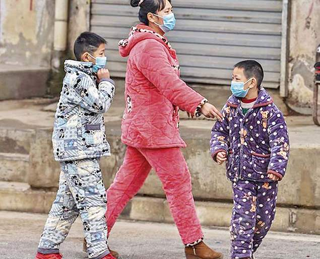 Closed and canceled - other side of corona to live 'quarantine' in China | क्लोज्ड अँण्ड कॅन्सल्ड- चीनमधल्या 'क्वॉरण्टाइन' जगण्याची दुखरी कळ