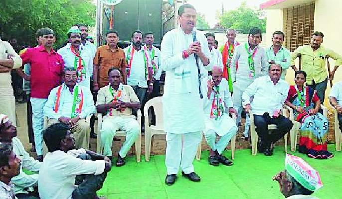 Determined for the development of farmers, unemployed | शेतकरी, बेरोजगारांच्या विकासासाठी कटिबद्ध