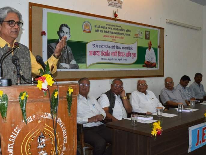 The importance of direct action is in Gandhiji thoughts   प्रत्यक्ष कृतीला महत्त्व हेच गांधी विचाराचे गमक