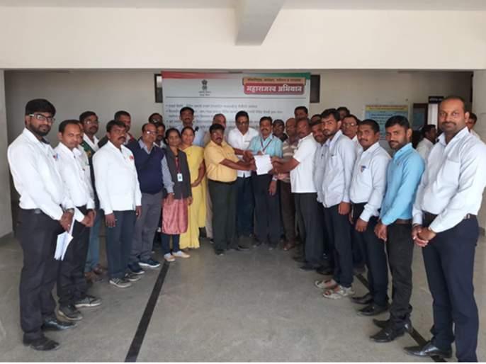 Candidates requesting various texts of Chandvada junior college teacher to the Tahsildar | चांदवडला कनिष्ठ महाविद्यालयीन शिक्षकांच्या विविध मागण्यांचे नायब तहसीलदारांना निवेदन