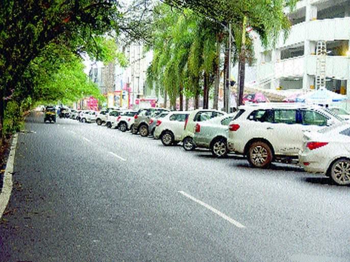 These parking places? | ही वाहनतळाची की कोंडीची ठिकाणे?