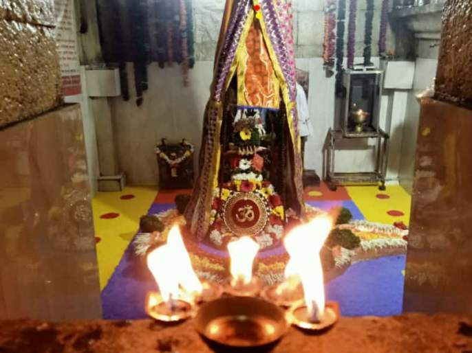 Mahashivaratra at the Shiva Temple of Markand Pimpri   मार्कंड पिंप्रीच्या शिवमंदिरात महाशिवरात्र