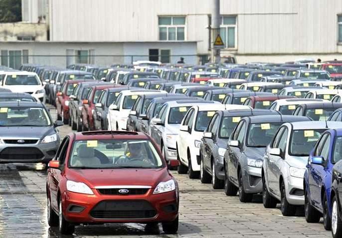Vehicle companies find it difficult to get GST discounts; The government's claim   वाहन कंपन्यांना जीएसटीत सवलत मिळणे अवघडच;सरकारचा दावा