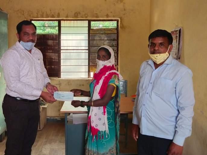 Innovative venture of Dindori tehsil office during Kovid period | दिंडोरी तहसील कार्यालयाचा कोविड काळात अभिनव उपक्रम