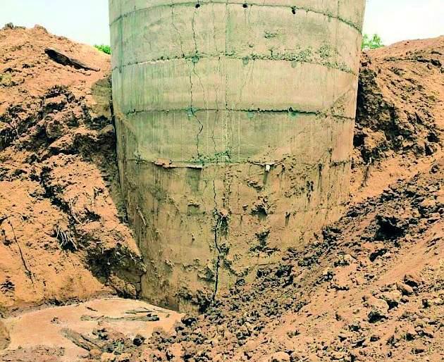 Construction of defective water supply scheme   पाणी पुरवठा योजनेच्या विहिरीचे सदोष बांधकाम